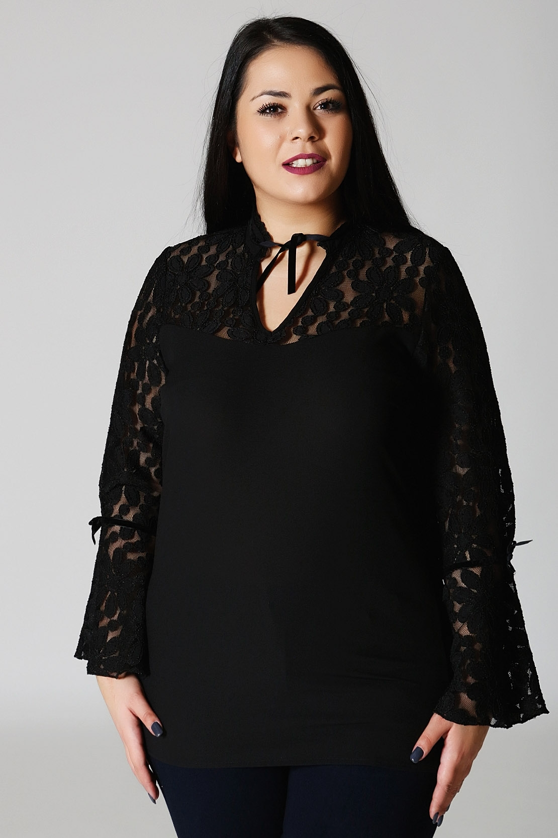Μπλούζα μαύρη με διαφάνεια και δαντέλα νέες αφίξεις   ενδύματα   μπλουζοφορέματα   sunrose