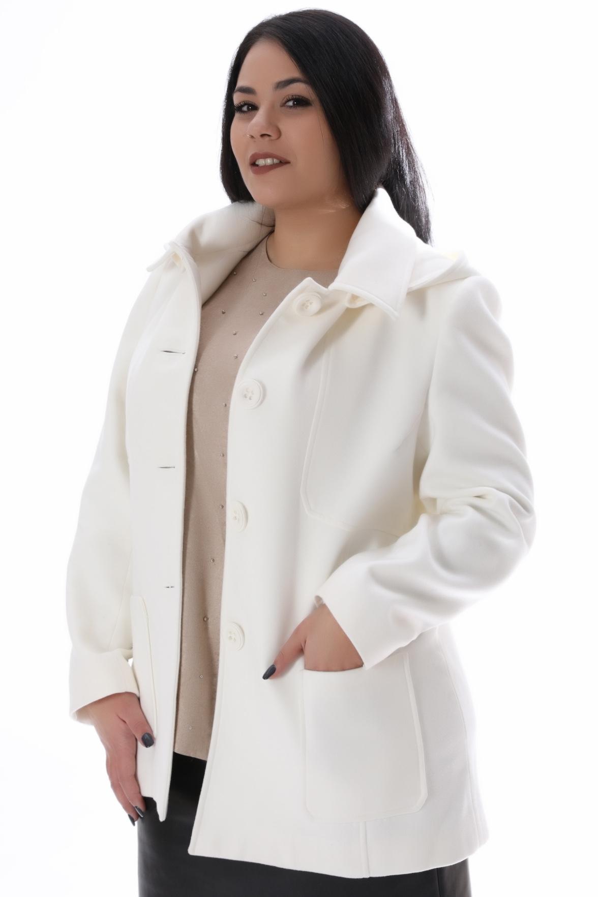 Ημίπαλτο με τσέπες. Είναι σε ελαφρώς άλφα γραμμή. Έχει τσέπες και κλείνει μπροστά με κουμπιά. Σύνθεση: 100%POL Διαθέσιμα μεγέθη από S έως 3XL. Το μοντέλο έχει ύψος 1.73cm και φοράει μέγεθος L.