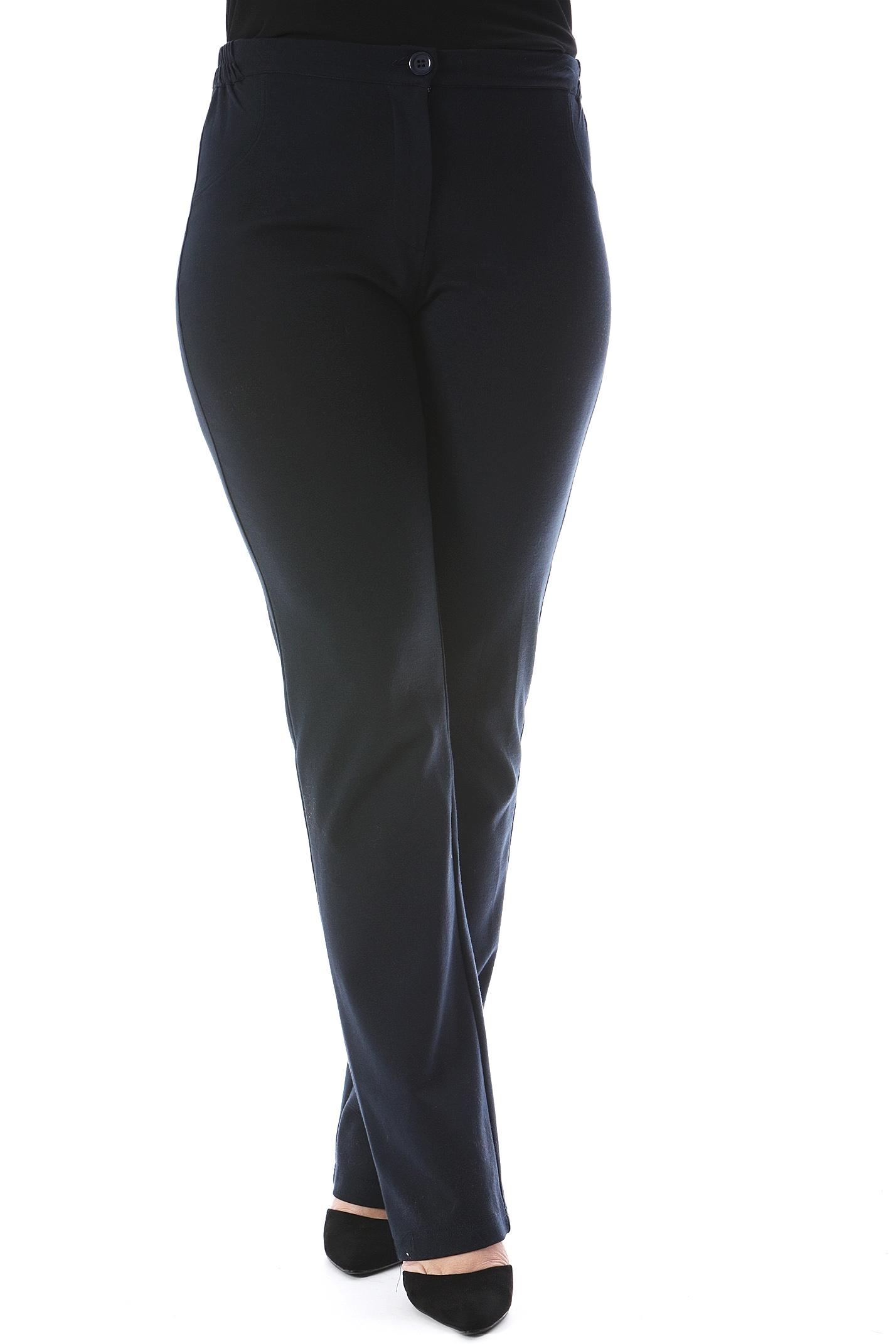 Παντελόνι καμπάνα Ίσια γραμμή Ποντοστόφα Κλείνει με φερμουάρ Έχει λάστιχο στα πλαϊνά Leather like λεπτομέρειες στις πίσω τσέπες Ελαστικό Διαθέσιμα μεγέθη από S έως 4XL. Σύνθεση: 68%VISC 28%POL 4%SP Το μοντέλο έχει ύψος 1.75cm και φοράει μέγεθος S.