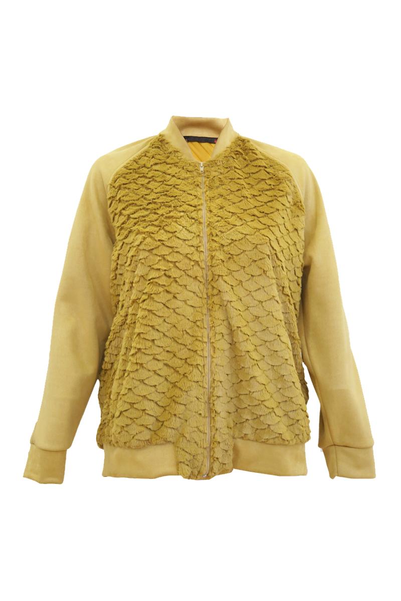 Bomber γούνινο Χρώμα ώχρα Ανοιχτή λαιμόκοψη Μακριά σουέντ μανίκια με ελαστικό τελείωμα Δύο τσέπες στο πλάι Κλείνει με φερμουάρ Ίσια γραμμή Ελαφρώς ελαστικό ύφασμα Σύνθεση:100%PES Η γραμμή είναι κανονική - επιλέξτε το κανονικό σας μέγεθος.Ιδανικό jacket για outfits από το πρωί μέχρι το βράδυ.Διαθέσιμα μεγέθη από XS έως XXL.
