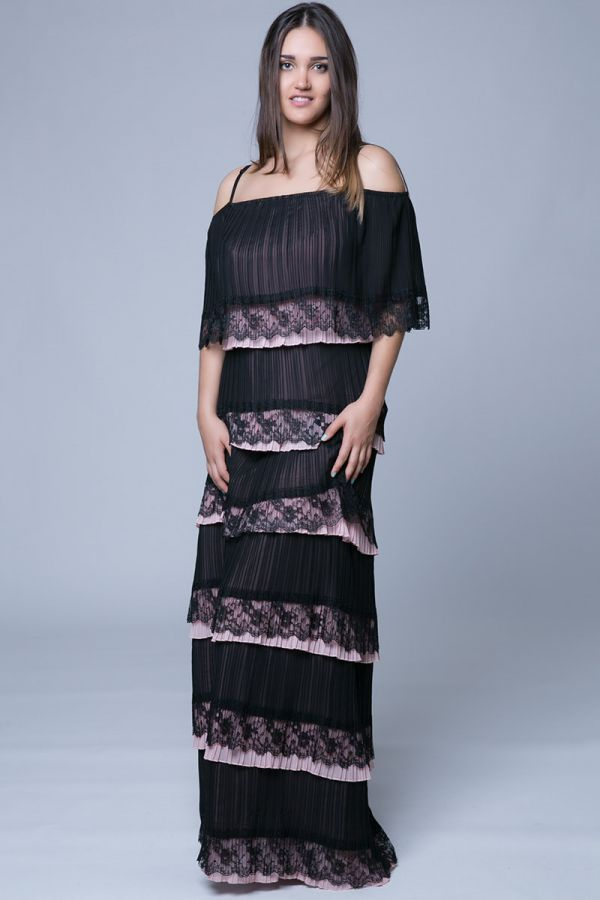 Maxi off shoulders plisse φόρεμα με βολάν και τελείωμα από δαντέλα