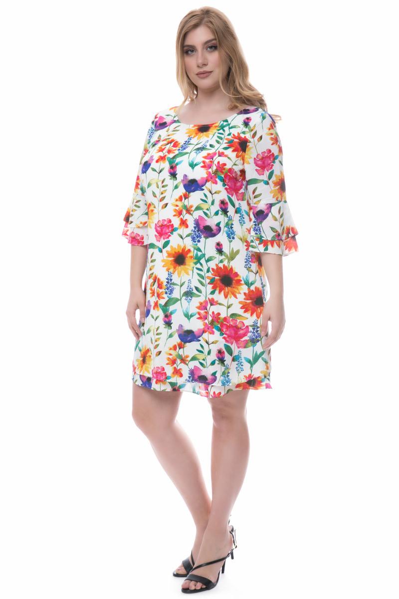 Midi floral φόρεμα Λευκό χρώμα 3/4 μανίκια με βολάν Ανοιχτή λαιμόκοψη Layering εφέ Σε άλφα γραμμή Το ύφασμα του είναι σταθερό Σύνθεση100%POL Η γραμμή είναι κανονική - επιλέξτε το κανονικό σας νούμερο. Ένα must have item για ανοιξιάτικες εμφανίσεις. Διαθέσιμα μεγέθη από 42/44 έως 58/60. Το μοντέλο έχει ύψος 1.75cm και φοράει μέγεθος 42/44.