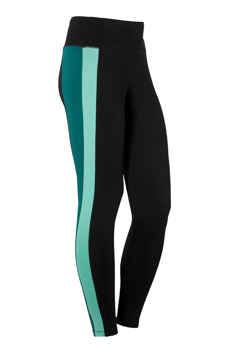 Αθλητικό κολάν Χρώμα μαύρο με πράσινες φάσες Διαθέτει φαρδύ λάστιχο στο πάνω μέρος Μήκος από το εσωτερικό 64-67cm Άνετη γραμμή Το ύφασμά του είναι ελαστικό Σύνθεση 90%POL 10%EL Η γραμμή είναι κανονική - επιλέξτε το κανονικό σας μέγεθος.Ιδανικό γυμναστήριο αλλά και casual βόλτες.Διαθέσιμα μεγέθη από 42/44 έως 62/64.Το μοντέλο έχει ύψος 1.75cm και φοράει μέγεθος 42/44.