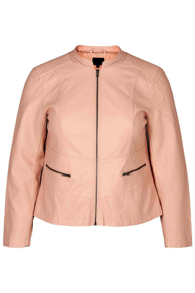 Jacket Leather-like Στο χρώμα της πούδρας Κοντο Κλείνει με φερμουάρ Με δύο οριζόντιες τσέπες στα πλαϊνά Μακρί μανίκι Σταθερό ύφασμα Ίσια γραμμή Η γραμμή είναι κανονική.Συμβουλευτείτε το μεγεθολόγιο. Ιδανικό για all-day εμφανίσεις. Διαθέσιμα μεγέθη από 42 έως 54.