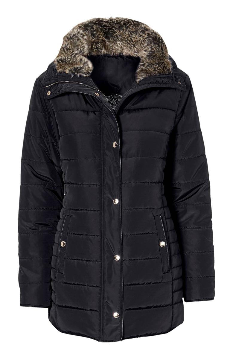 Κοντό μπουφάν Χρώμα μαύρο Ψηλό γιακά από οικολογική γούνα Έχει επένδυση, κατάλληλο για κρύο καιρό Κλείνει με φερμουάρ και κουμπιά Δύο τσέπες με κουμπί Μία εσωτερική τσέπη Μακριά μανίκια με φερμουάρ Ίσια γραμμή Σταθερό ύφασμα Σύνθεση 100%POL Η γραμμή είναι κανονική - Επιλέξτε το κανονικό σας νούμερο. Ιδανικό για υπέροχα winter outfits. Διαθέσιμα μεγέθη από 38/40 έως 62/64. Το μοντέλο έχει ύψος 1.75cm και φοράει μέγεθος 42/44.