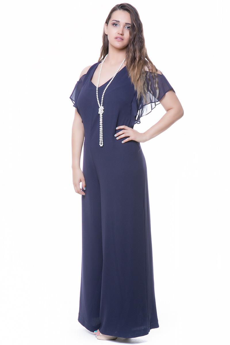 Ολόσωμη Φόρμα Μπλε χρώμα V-neck %26 V-back Κοντά μανίκια Cold Shoulders Βολαν μανίκια Σταθερό ύφασμα Μουσελίνα Μεσάτο Κλείνει με φερμουάρ πίσω Τελείωμα παντελονιού καμπάνα Σύνθεση:100%POL Συνοδεύεται από το κολιε της φωτογρφίας Η γραμμή είναι κανονική- Συμβουλευτείτε το μεγεθολόγιο. Ιδανικό για ξεχωριστές και chic εμφανίσεις. Διαθέσιμα μεγέθη από 52 εώς 60. Το μοντέλο έχει ύψος 1,75 και φοράει το νούμερο 52.