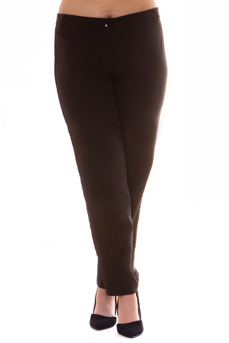 Παντελόνι Μαύρο χρώμα Cigarette Κλείσιμο με μονοκούμπι και φερμουάρ Κάθετη velvet τρέσα Θηλύκια Ίσια γραμμή Το ύφασμά του είναι σταθερό Η γραμμή είναι κανονική - επιλέξτε το κανονικό σας νούμερο. Ένα must have κομμάτι για chic looks. Διαθέσιμα μεγέθη από S έως 3XL. Το μοντέλο έχει ύψος 1.75cm και φοράει μέγεθος S.