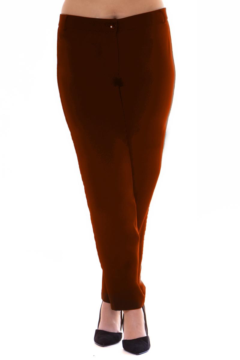 Παντελόνι Ταμπά χρώμα Cigarette Κλείσιμο με μονοκούμπι και φερμουάρ Κάθετη velvet τρέσα Θηλύκια Ίσια γραμμή Το ύφασμά του είναι σταθερό Η γραμμή είναι κανονική - επιλέξτε το κανονικό σας νούμερο. Ένα must have κομμάτι για chic looks. Διαθέσιμα μεγέθη από S έως 3XL. Το μοντέλο έχει ύψος 1.75cm και φοράει μέγεθος S.