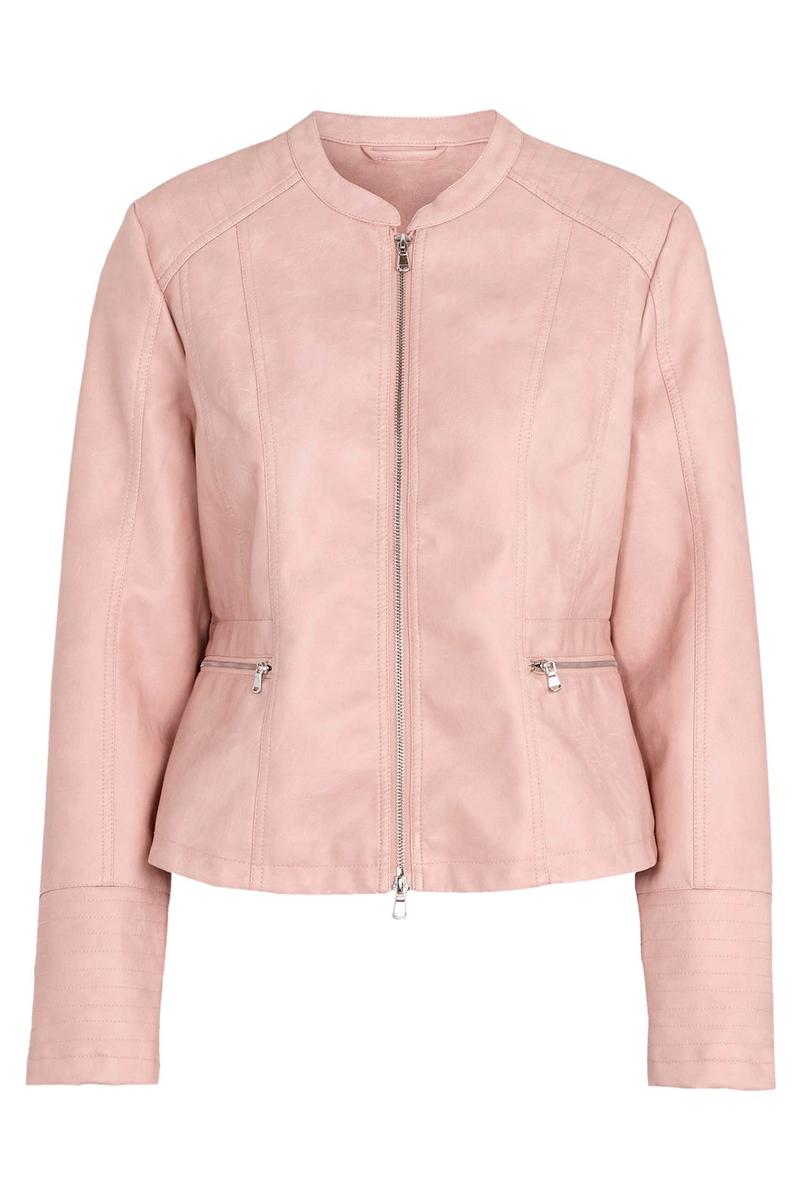 Leather-like jacket Στο χρώμα της πούδρας Διαθέτει δύο τσέπες Κλείνει με φερμουάρ Χωρίς γιακά Σταθερό ύφασμα Ίσια γραμμή Σύνθεση:100%POL Η γραμμή είναι κανονική. Συμβουλευτείτε το μεγεθολόγιο. Ιδανικό για all-day εμφανίσεις. Διαθέσιμα μεγέθη από 42/44 έως 62/64